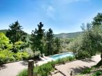 Casa Ospicchio: Garden and pool
