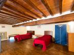 The loft can contain a double bed or two separate twin beds, and eventually an additional bed.
