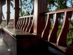 aqua jumbo houseboat interior