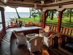 aqua jumbo houseboat lounge