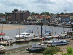 Greylag Cottage is only a stone's throw from Wells quay
