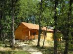 Le village Enchanteur .Un village de gîtes en bois au cœur du triangle d'or du Périgord Noir.