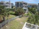 Pappa's Beach House - Fenced Yard