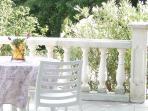Terrasse privative idéal pour le p'ti dej' quand il fait beau