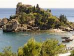 Isola Bella Spiaggia Di Taormina 28 km Da Milo