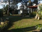 spazio giardino dinnanzi alla casa