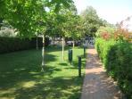 grande giardino condominiale
