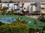 Cuatro grandes piscinas comunitarias