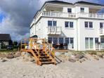 Strandaufgang zum Strandhaus Libelle, Parkplatz inclusive