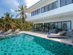 New stunning deluxe sea view villa with infinity pool and fitness room, 6 days a week house keeping