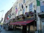 Historic Pubs - Temple Bar area - 25 mins walk