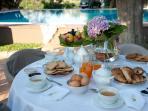 Breakfast pool view