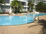 Kids pool + Adult pool