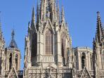 Barcelona Cathedral at 5 minutes walking!