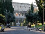 The perfect location: you'll reach the Coliseum in only 10mins walk through the Colle Oppio Park