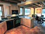 Full kitchen in the Q