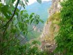 vue sur la vallée de l'Esteron depuis le jardin  view Esteron Valley from the garden