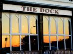 A country pub with a deck and a great view of the marina at the base of James Fort.