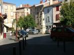 Brioude (15 mins from house) Markets, boutique shops, restaurants, river, Festival d'Aquarelle 2015