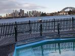 MacCallum Harbourside Pool- 1 minute walk from apartment