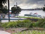 Walkway down to Cremorne Point Wharf