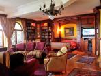 Apartment Royal - living room