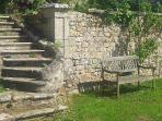 Jardins en terrasses avec escalier en pierre à double révolution du 18ème siècle