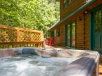 Private Hot Tub on Deck,So refreshing after a day at Dollywood or Shopping at Tanger Outlet Mall !