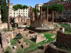 Largo Argentina - just 3 min walk!