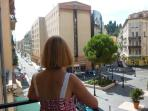 Bright Port Apt. with balcony view of Place du Pin