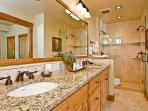 Emerald Lodge Master Bathroom 2 - 5106