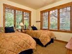 Emerald Lodge Twin Bedroom- 5106