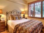 Emerald Lodge Queen Bedroom 2 - 5206