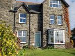 'Frondderw' 3 floors, big gardens & fantastic views.