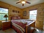 Bedroom 1 - Queen Bed, Main Level