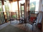 Outdoor screened patio (2nd view)