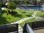 Communal garden with Swimming pool and paddle-tennis court.