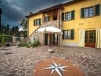 Relax & Love in Tuscany: the house  with the rose of the winds