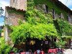 Farmhouse in tiny village Tuscany Trasimeno Lake R