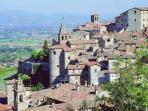 Anghiari a 5 min drive and voted one of the most beautiful hill top villages in Italy!