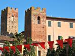 Medieval towers of Vicopisano