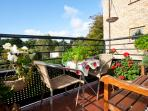South west facing balcony- a gorgeous place with panoramic parkland views