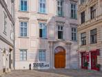 30 seconds walk: the Jewish museum