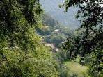 el entorno y el pueblo de Rocabruna