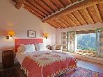 Leonida master bedroom