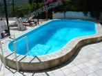 A private swimming pool, solarium with sunbeds outside shower villa house booking sorrento rentals