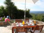 Breakfast with a stunning view over the Atlantic ?