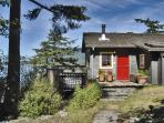 Isle Dream  -  Elfin path leads you to our absolute waterfront cozy pine cottage