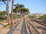 Along the beach, the best way to reach Calvi by foot