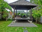 Outdoor Gazebo (Bale Bengong)